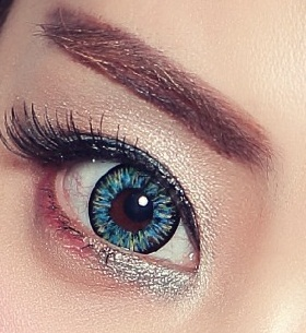 dolly eye blue
