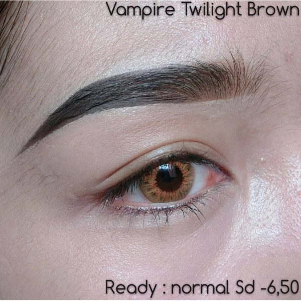detail pretty doll vampire twilight brown